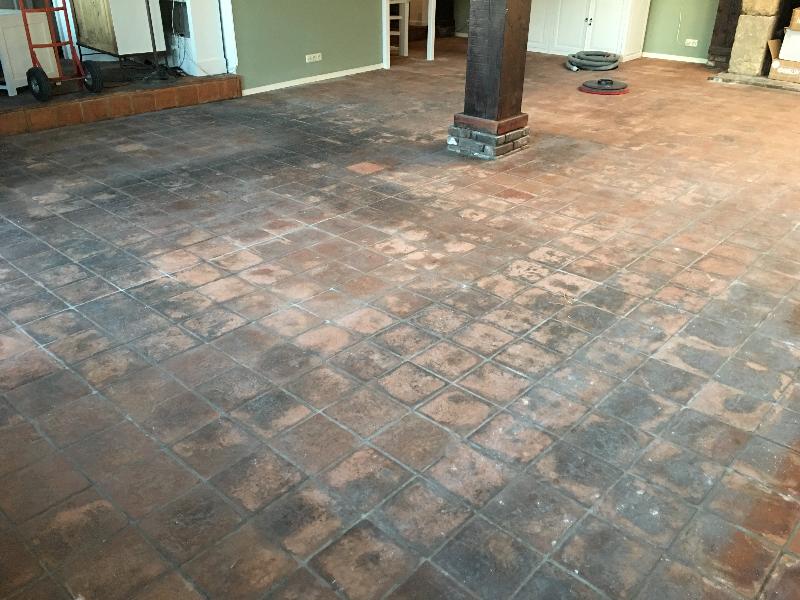 Tegel vloer voor reiniging