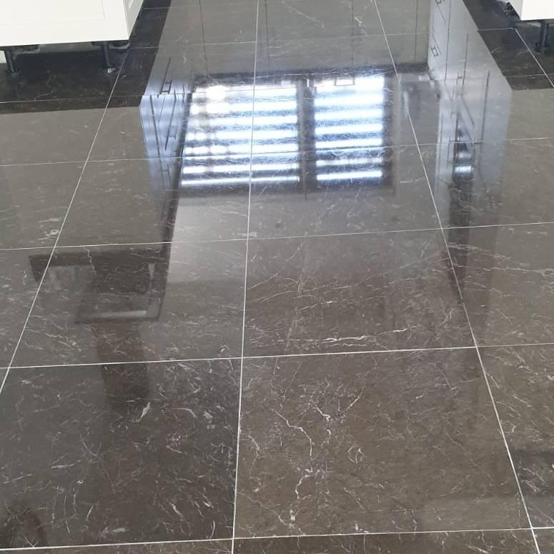 Marmer vloer laten reinigen en onderhouden - Na