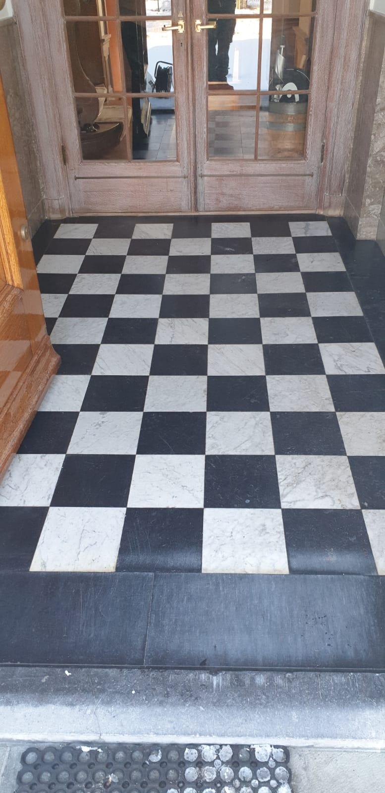Voor marmeren vloer behandeling